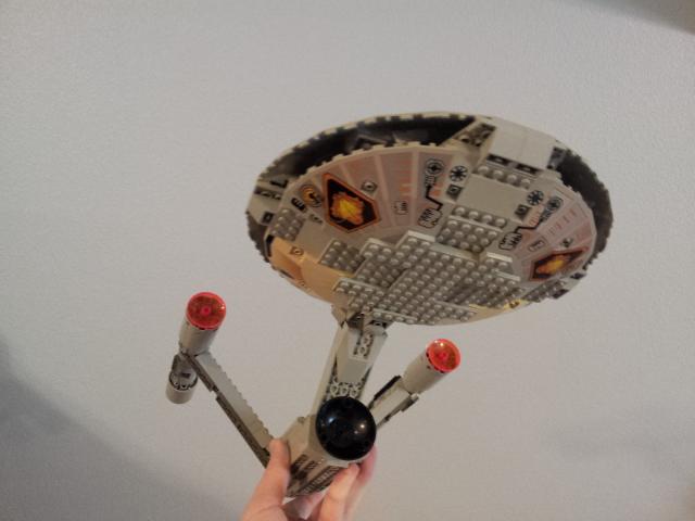 LEGO Star Trek Enterprise - bottom