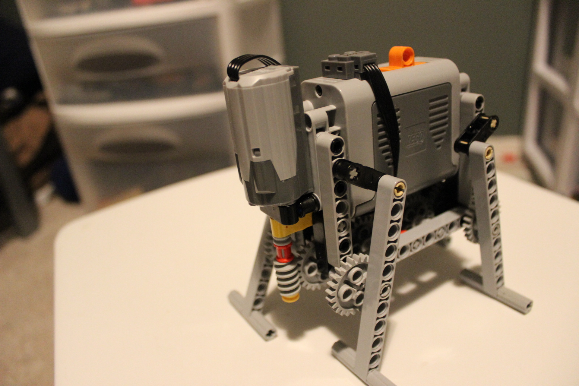 Basic Four-leg LEGO Walker - front angle